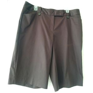 Worthington Modern Fit deep chocolate shorts